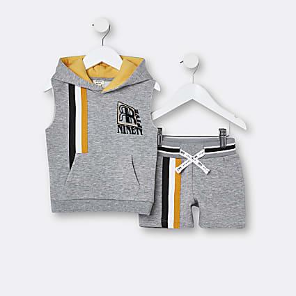 Mini boys grey sleeveless hoodie outfit