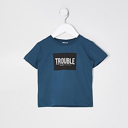 Mini boys teal 'Trouble' box print t-shirt