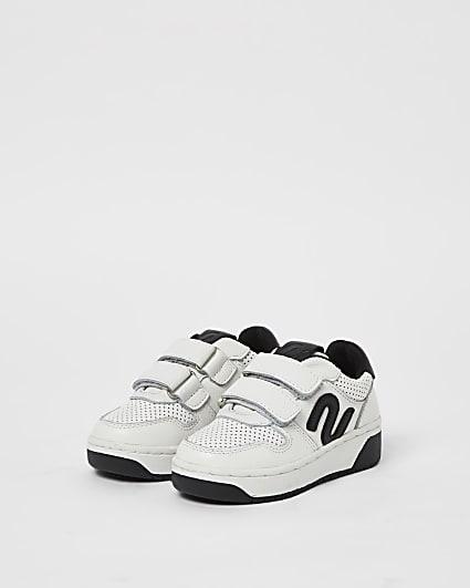 Mini boys white NUSHU perforated trainers