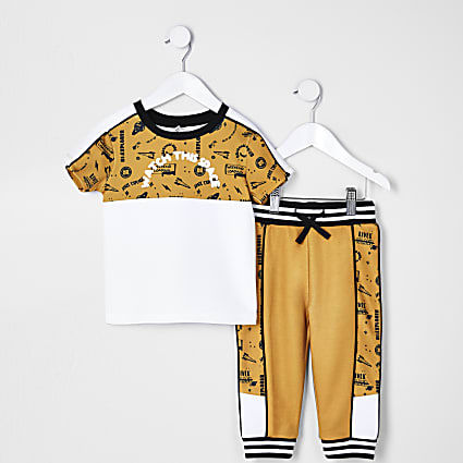 Mini boys yellow colour block t-shirt outfit