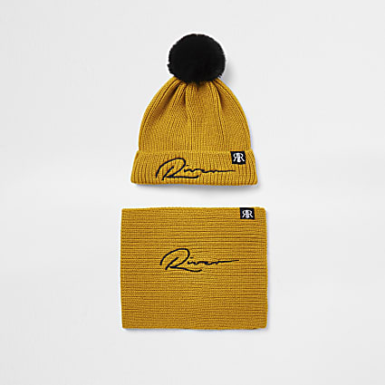 Mini boys yellow 'River' beanie and snood set