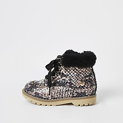 Mini girls beige snake printed faux fur boots