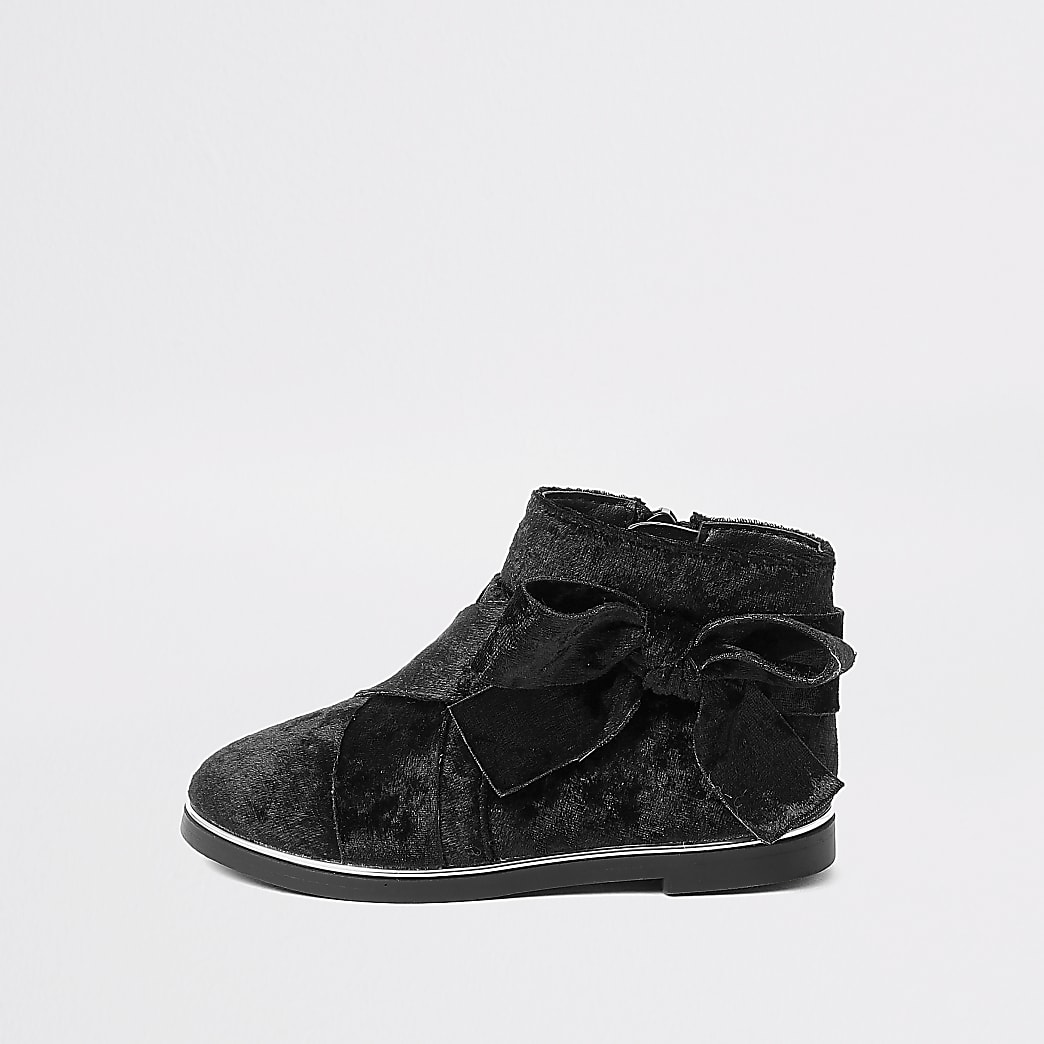 Mini girls black bow ankle boots