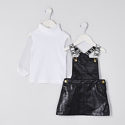 Mini girls black faux leather pinny outfit