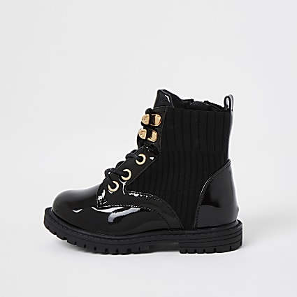 Mini girls black patent clumpy lace up boots