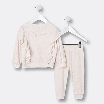 Mini girls cream RI sweatshirt outfit