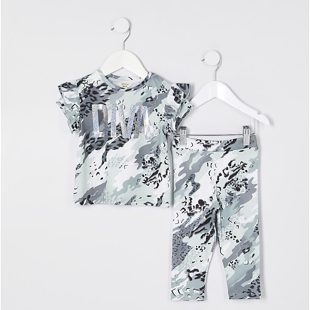 Mini girls green camo top outfit