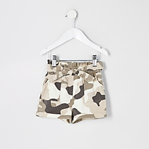 Mini – Paperbag-Shorts mit Camouflage-Muster in Khaki