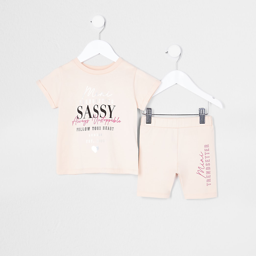 Mini girls orange t-shirt and shorts outfit