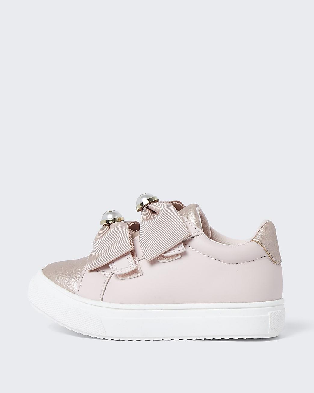 Mini girls pink bow pearl plimsoles