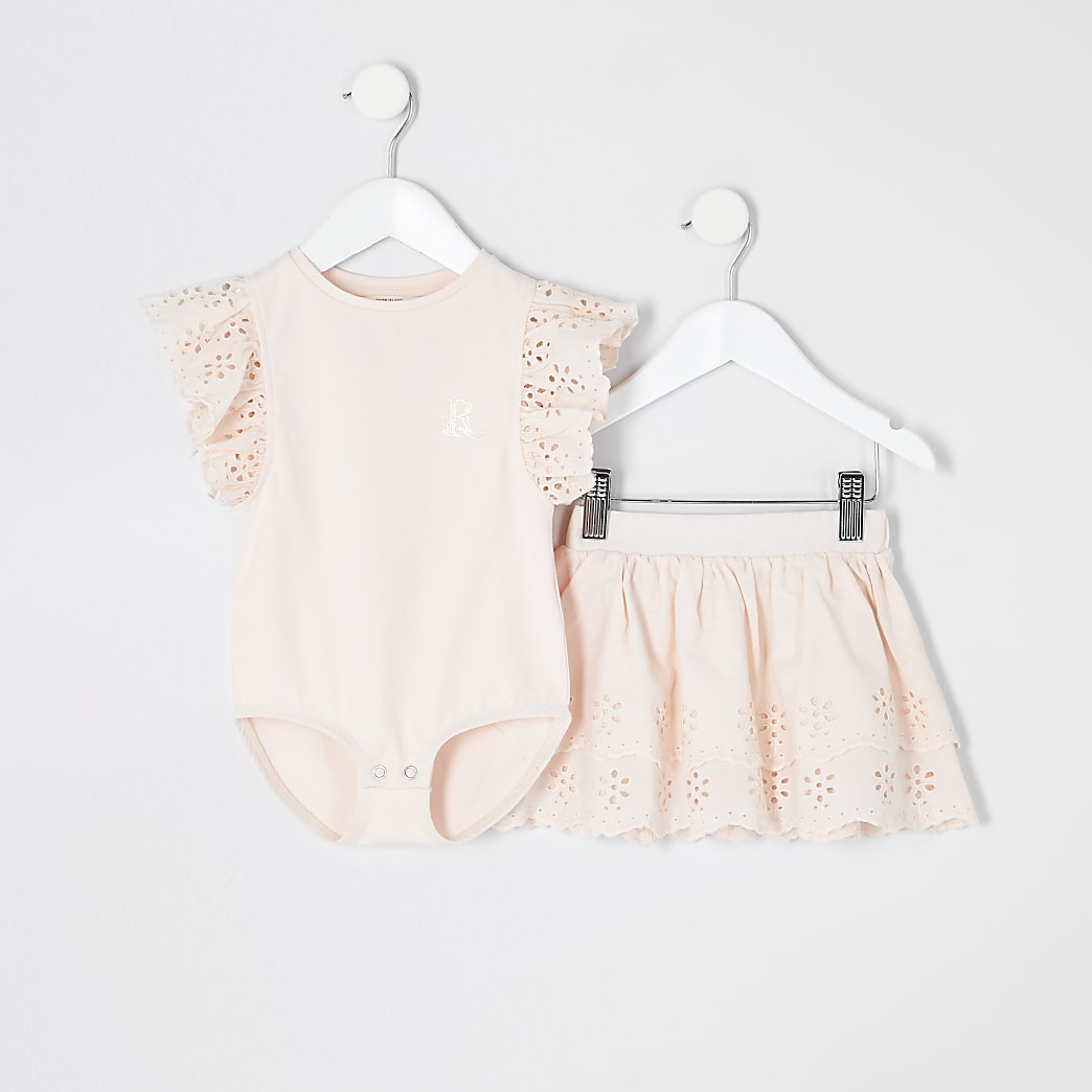 Mini girls pink broderie bodysuit outfit