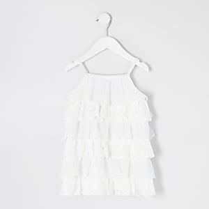 Mini – Gestuftes Rüschenträgerkleid in Weiß mit Spitze