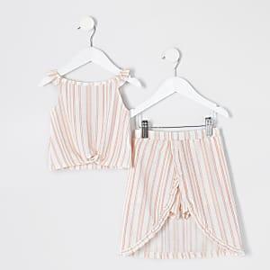 Mini– Outfit für Mädchen mit weißem, gestreiftem Fransenhosenrock