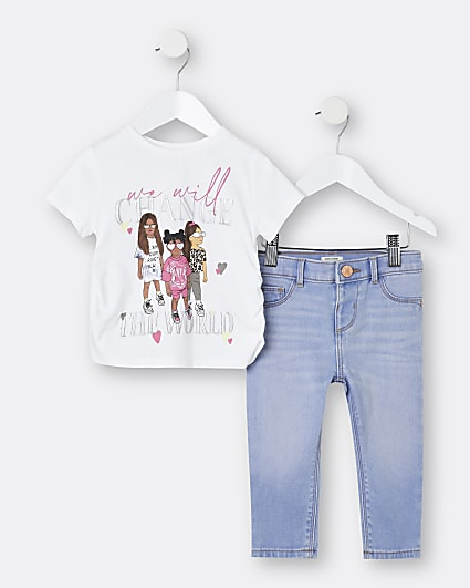 Mini girls white t-shirt and jeans outfit