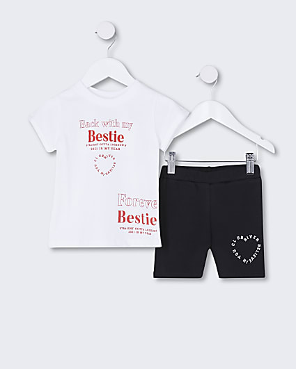 Mini girls white t-shirt and leggings outfit