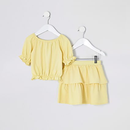 Mini girls yellow puff sleeve top outfit