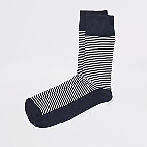 Marineblauwe getextureerde sokken met strepen