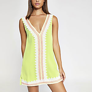Neongrünes Strandkleid aus Spitze