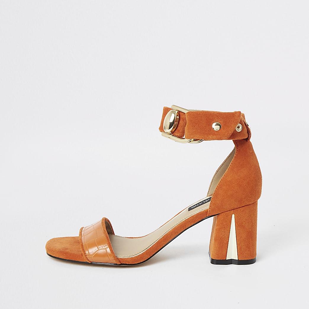 Sandales orange à talons carrés