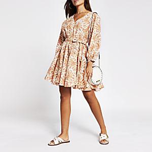 Orange short sleeve full skirt mini dress