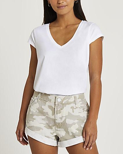 Petite beige turn up camo shorts