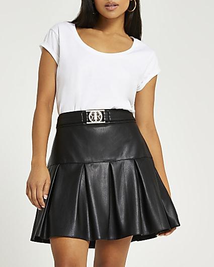 Petite black faux leather pleated mini skirt