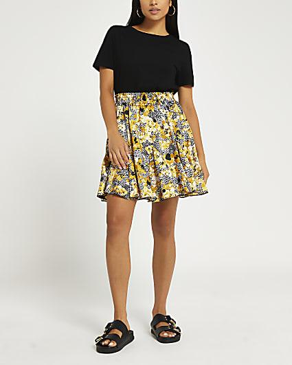 Petite black Floral mini skirt