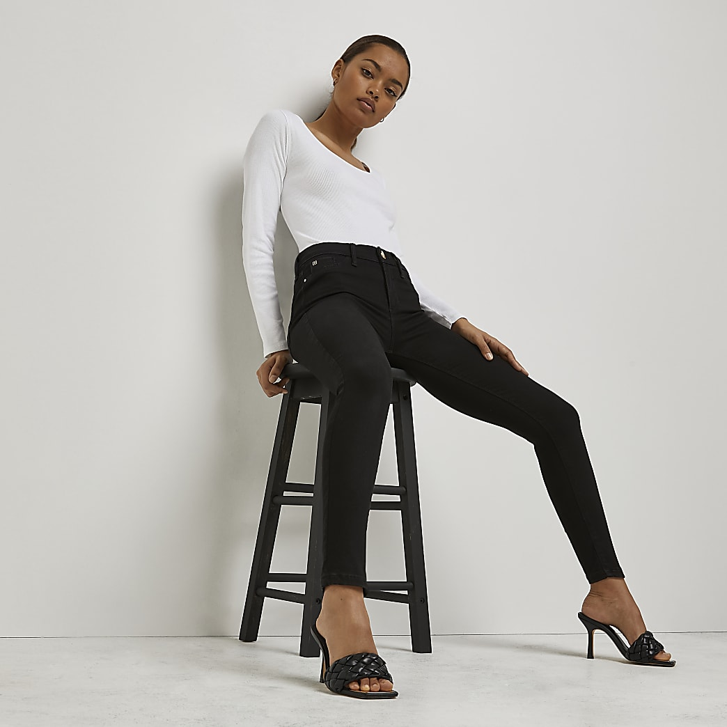 Petite black Molly mid rise jeans