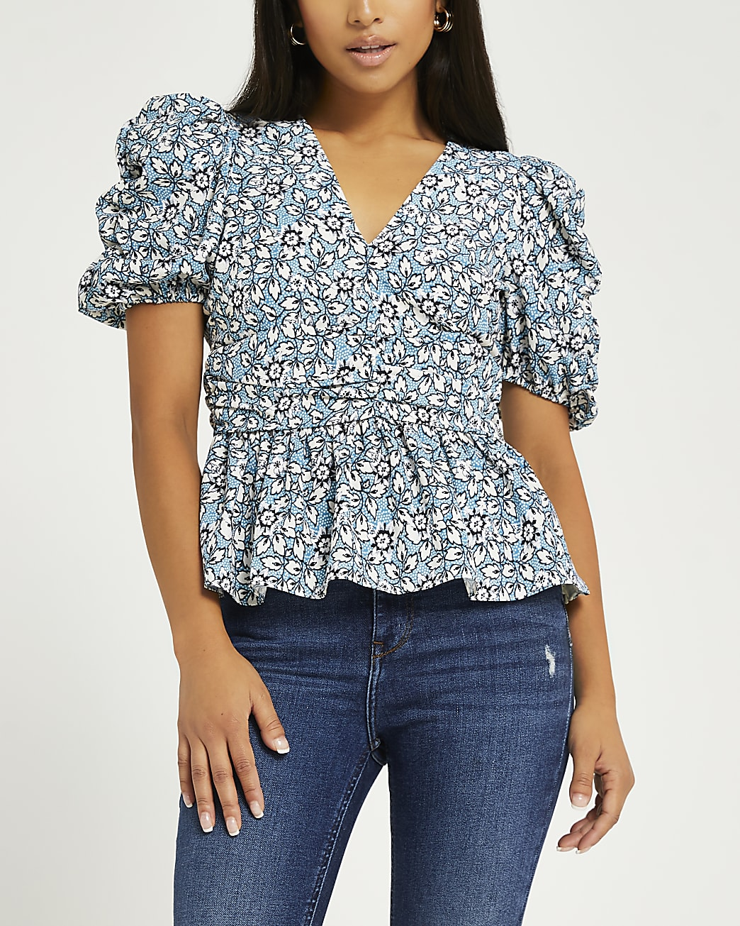 Petite blue floral ruched top