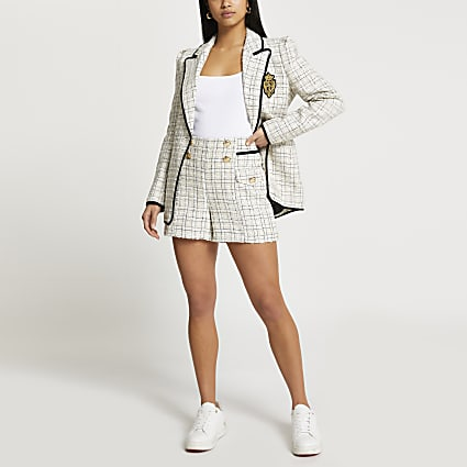Petite cream boucle shorts
