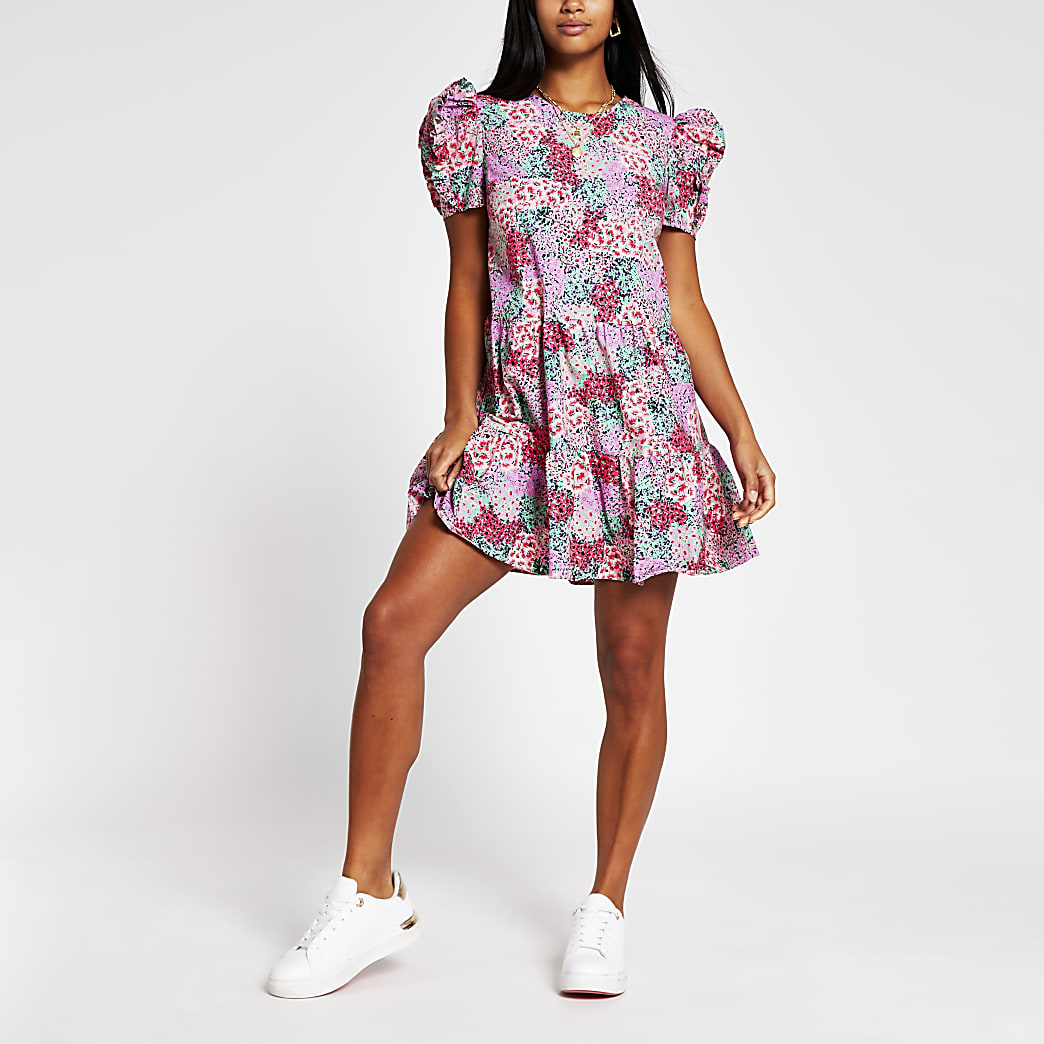 Petite floral puff sleeve smock dress
