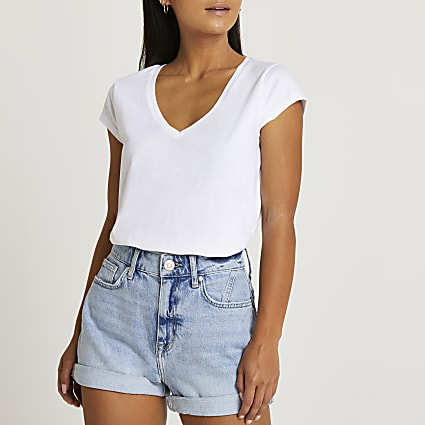 Petite white short sleeve v-neck t-shirt