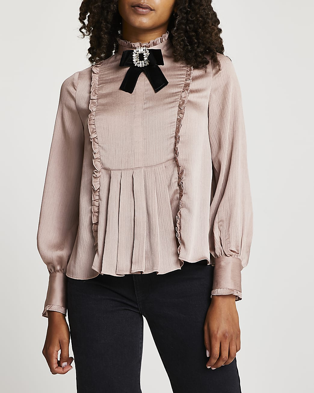 Pink bow brooch collared blouse top