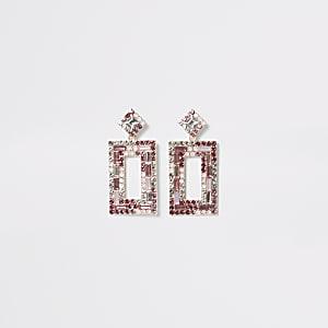 Roze rechthoekige oorhangers met siersteentjes