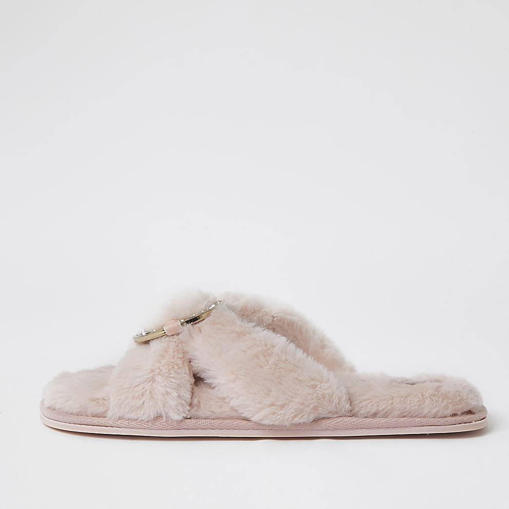 Pink faux fur ring crossover slippers