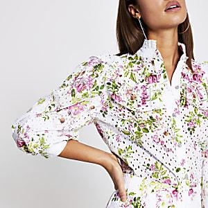 Roze broderie blouse met bloemenprint en ruches