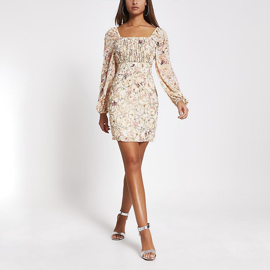 Robe Bardot moulanteà manches longuesà fleurs rose