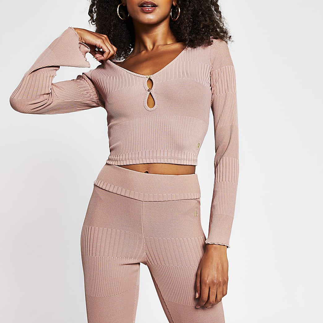 Pink fluted sleeve keyhole top