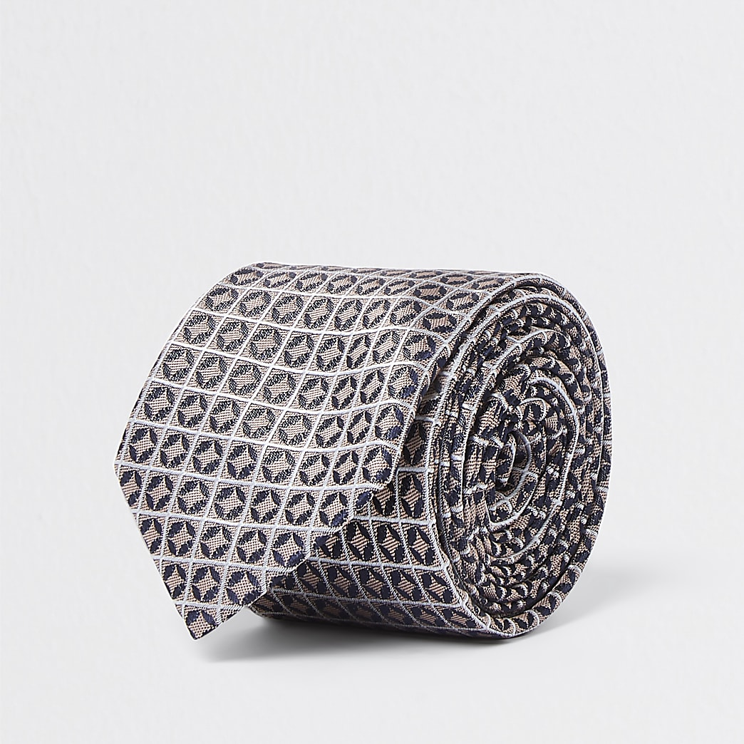 Pink geometric print tie