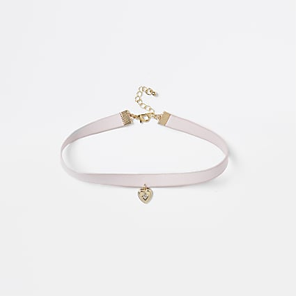 Pink heart pendant choker