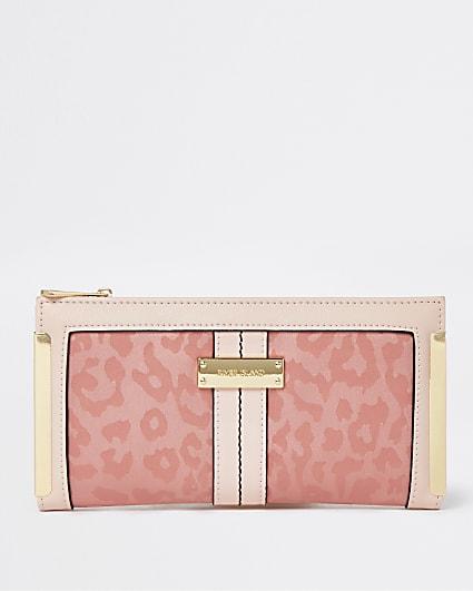 Pink leopard print purse