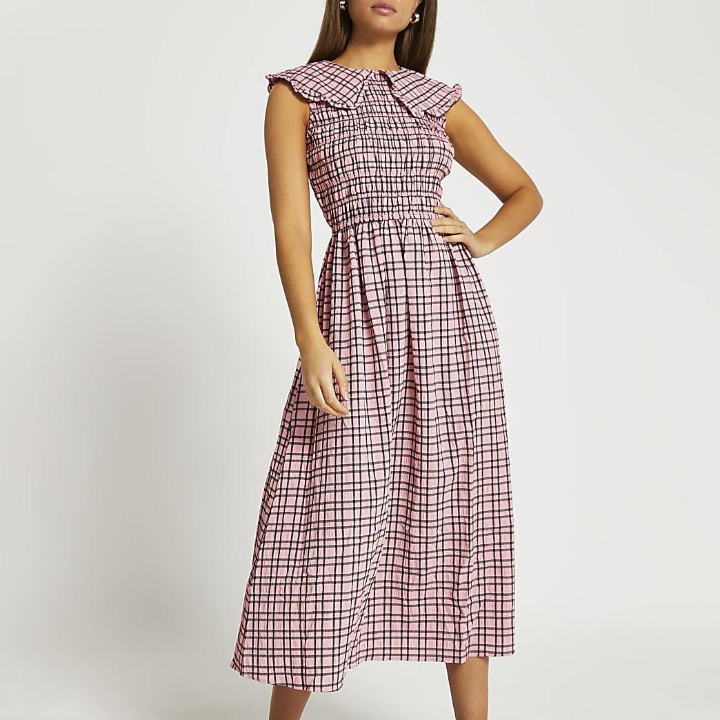 Pink oversized collar gingham midi dress