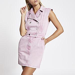 Roze denim mini-jurk met verhoogde schouders