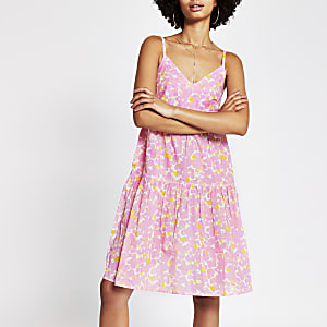 Pink sleeveless ladder trim smock dress
