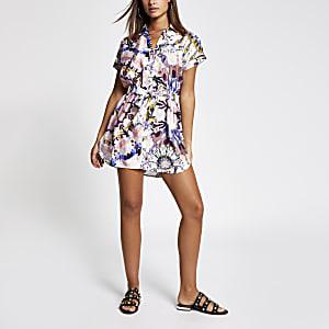 Strand-Blusenkleid aus Satin mit Batikmuster in Rosa