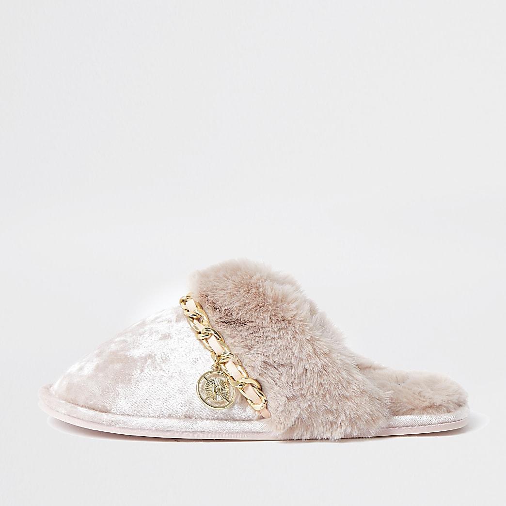Pink velvet chain trim slippers