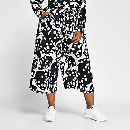 Plus black printed tie detail culotte