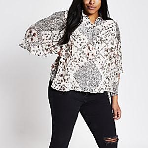 RI Plus - Crèmekleurige geplooide blouse met bloemenprint en korte mouwen