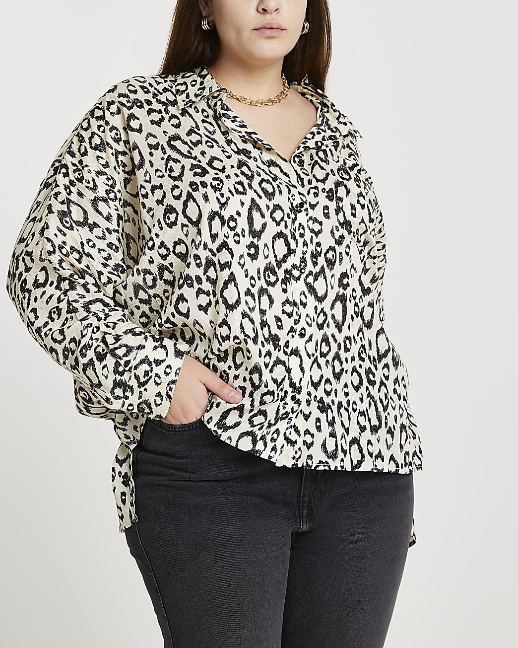 Plus cream leopard print dipped hem shirt