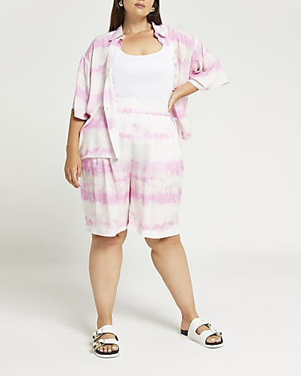 Plus pink tie dye shorts
